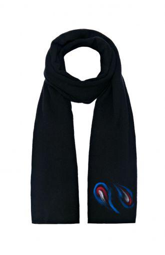 Czarny długi wełniany szal