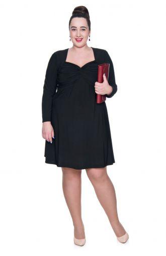 Czarna krótka sukienka z dekoltem