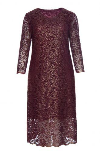 Długa ciemnoczerwona sukienka z koronki