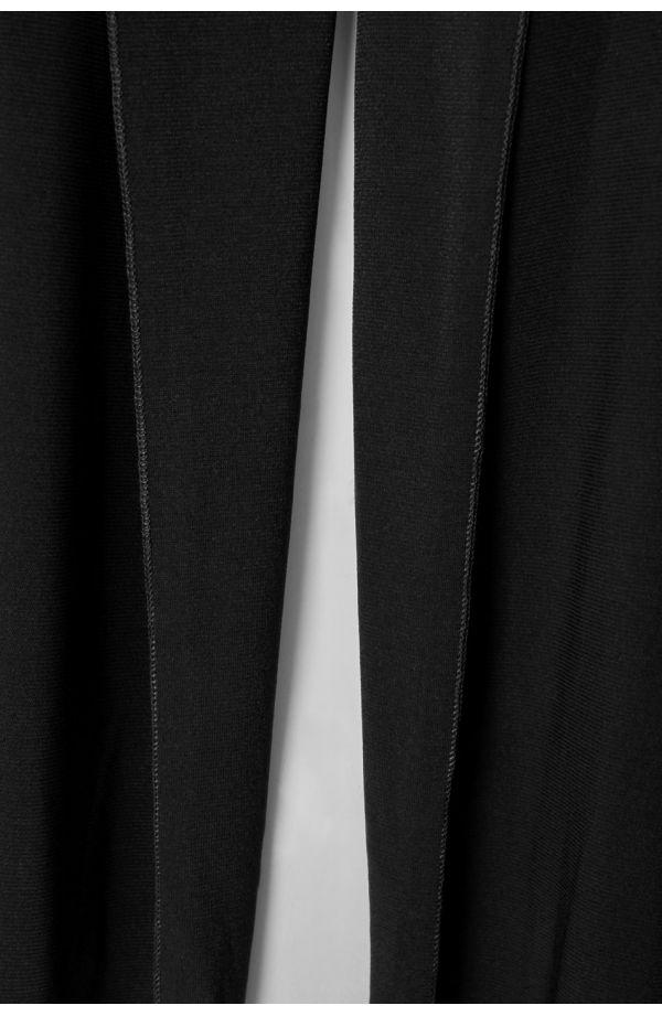 Czarne krótkie bolerko z przedłużonym przodem