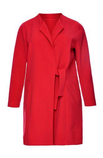 Czerwony płaszczyk z wiązaniem