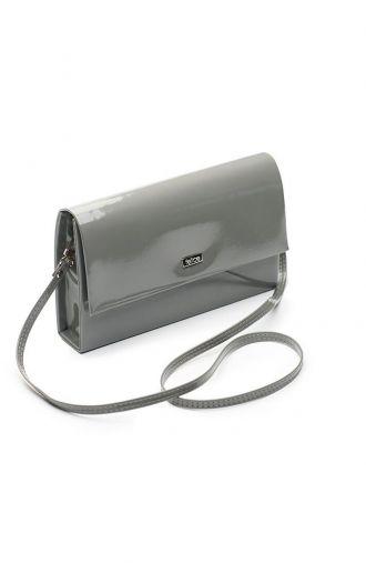 Klasyczna lakierowana kopertówka w ciemnoszarym kolorze