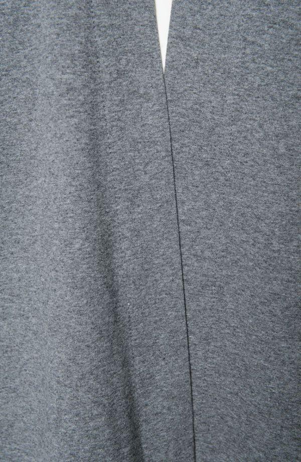 Szara narzutka z kieszonkami długi rękaw