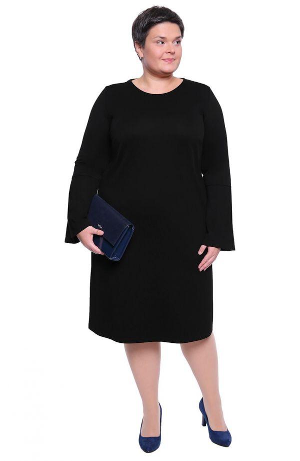 Czarna sukienka z plisami na rękawie