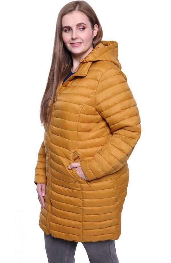 Miodowa pikowana kurtka z odpinanym kapturem