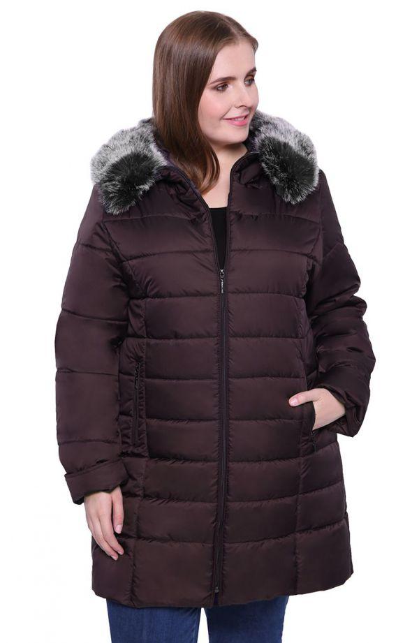Śliwkowa kurtka z futerkowym kołnierzem