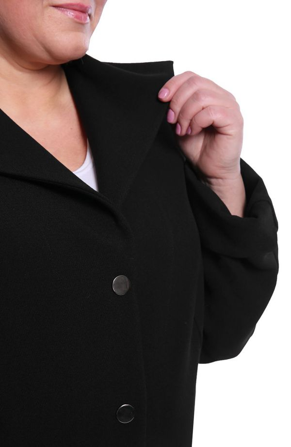 Stylowy płaszczyk w czarnym kolorze