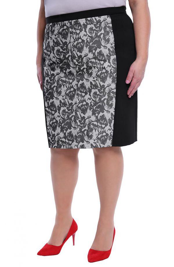 Czarna spódnica ze wstawką w szare kwiaty