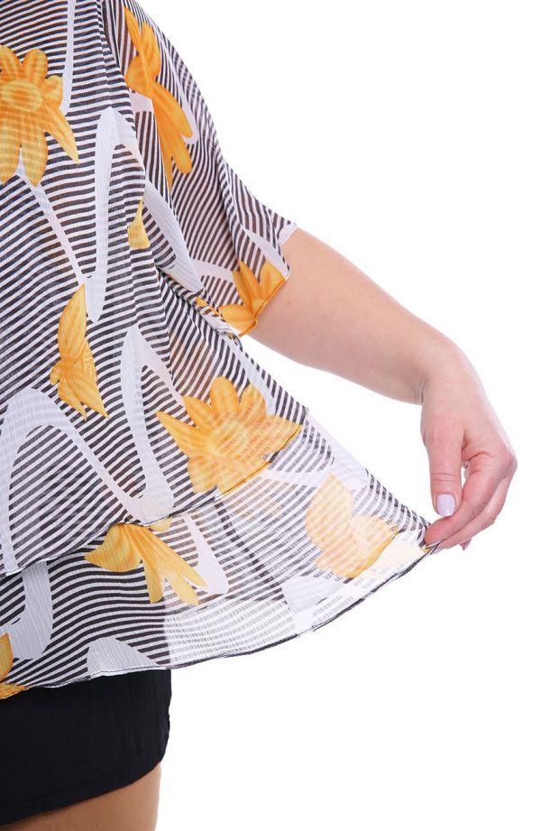 Warstwowa bluzka w paski i miodowe kwiaty