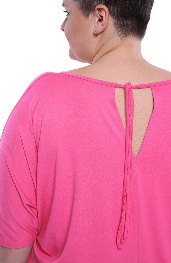 Różowa bluzka z wiązaniem na plecach