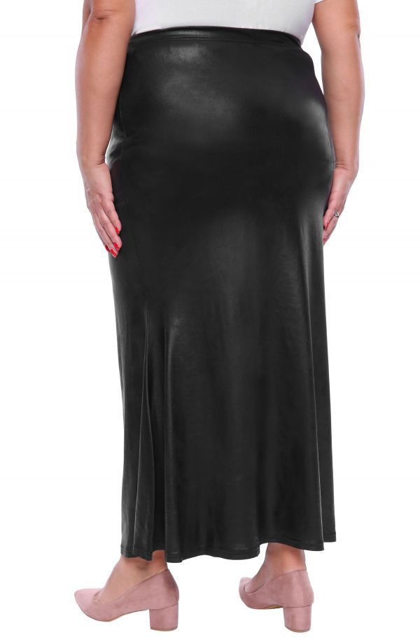 Czarna długa skórkowa spódnica rozszerzana
