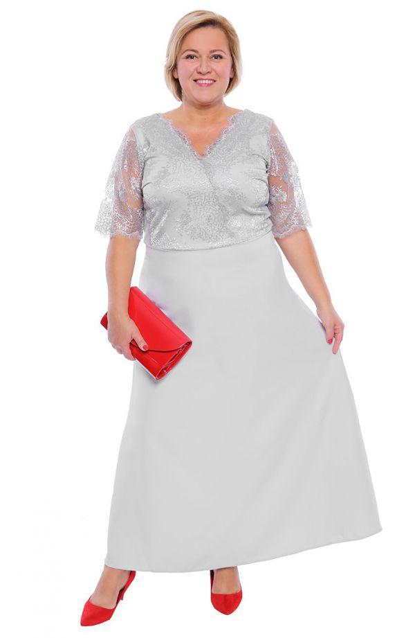 Wieczorowa sukienka w kolorze srebra