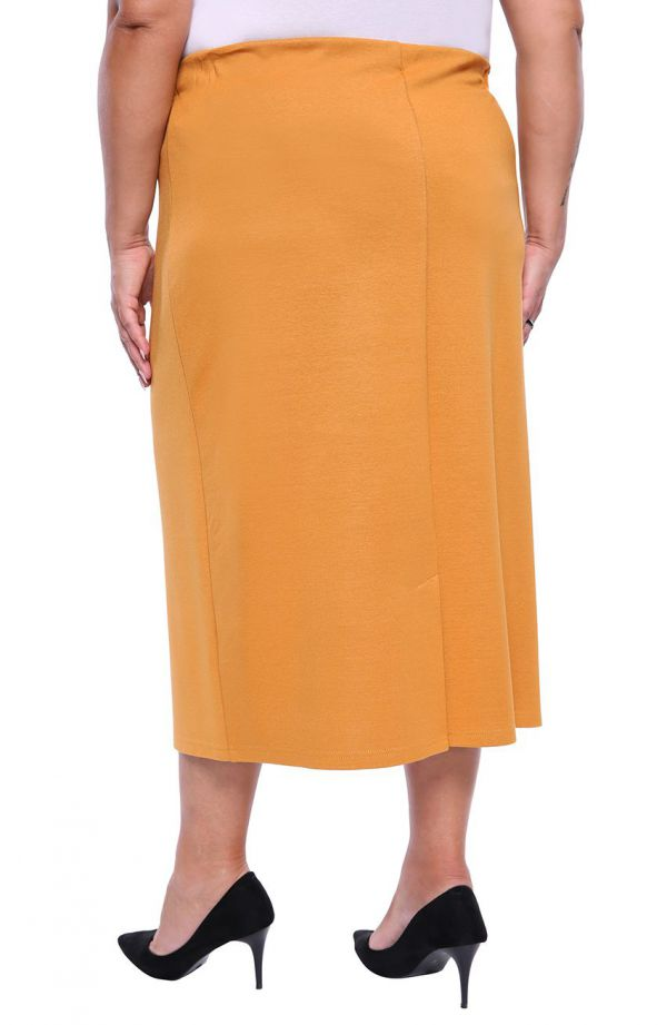 Dłuższa elegancka spódnica w miodowym kolorze