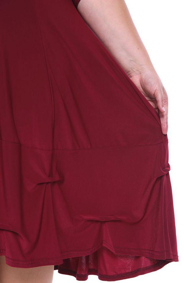 Bordowa dłuższa sukienka z falbanką