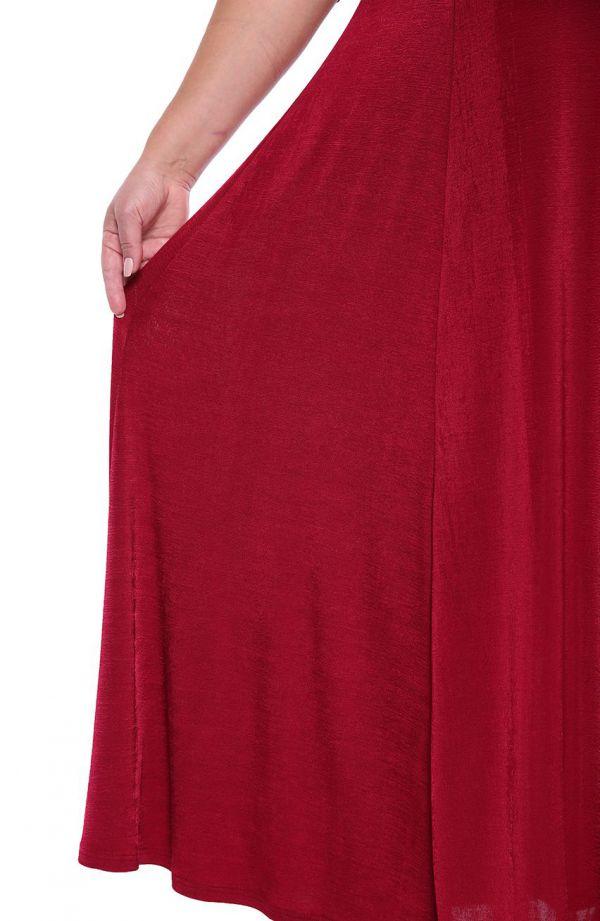 Amarantowa suknia maxi z cekinami