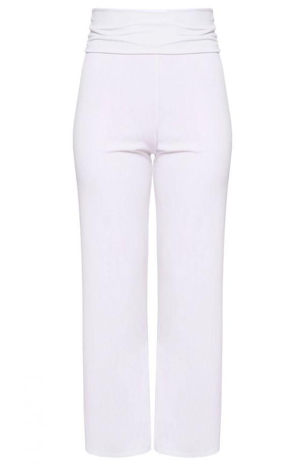 Białe spodnie z ozdobnym pasem