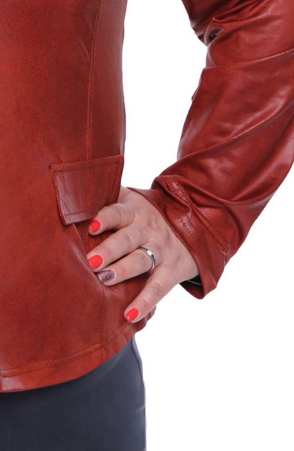 Modny brązowy skórkowy żakiet