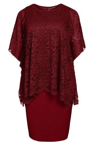 Sukienka z narzutką w bordowym odcieniu