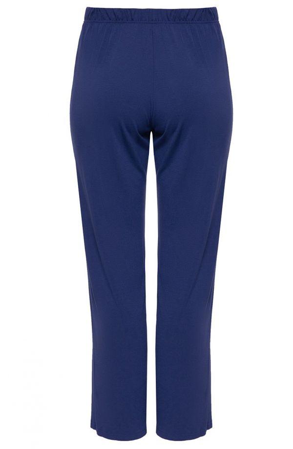 Klasyczne spodnie w chabrowym kolorze