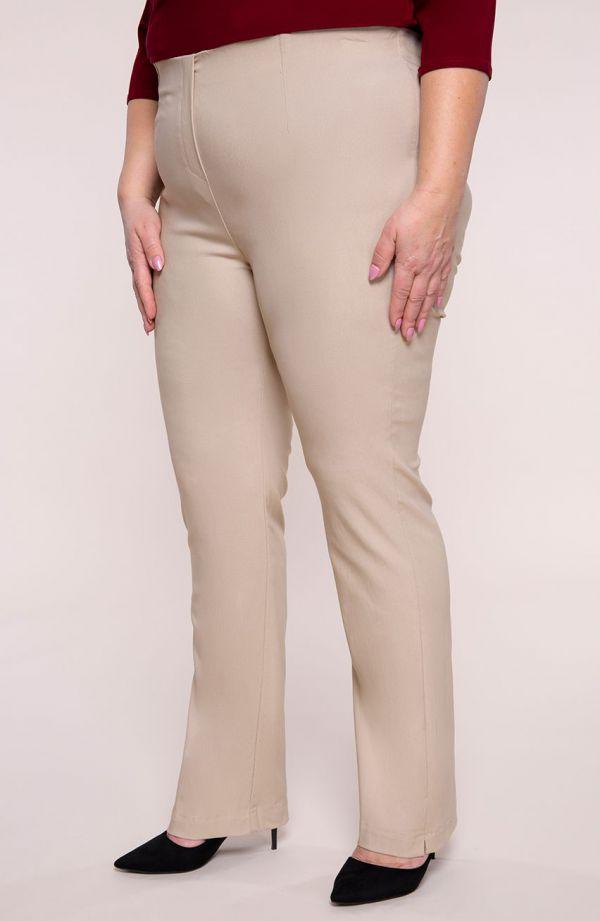 Dłuższe proste spodnie w kolorze beżu