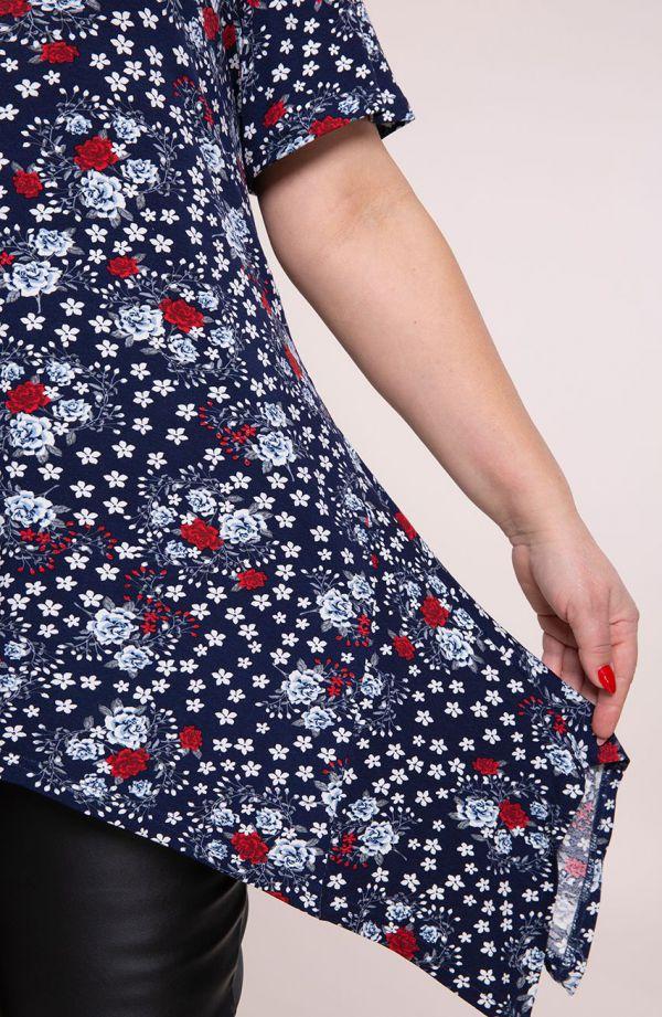 Tuniki dla puszystych - długa bokami tunika czerwone różane pnącza