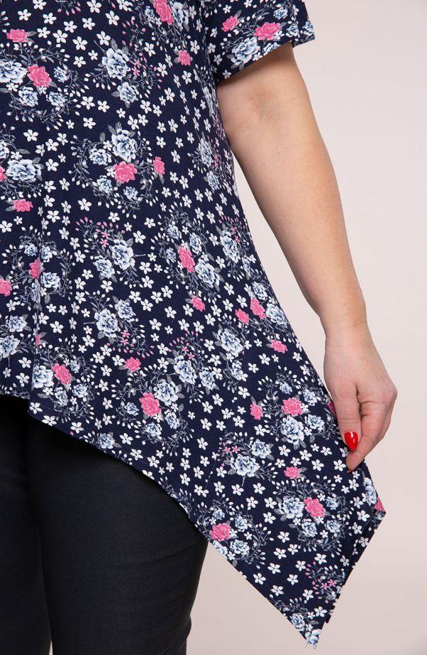 Tuniki dla puszystych - długa bokami tunika różowe różane pnącza