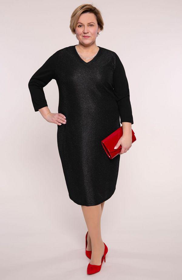 Czarna błyszcząca sukienka z łańcuszkiem