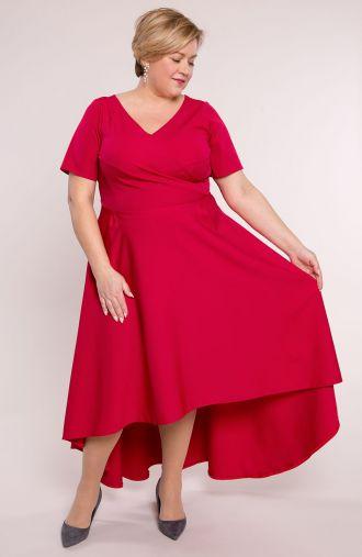 Malinowa suknia z ozdobnym dekoltem