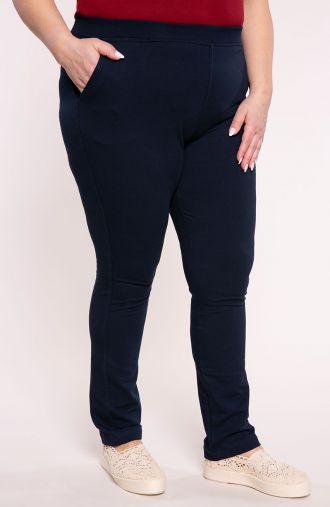 Granatowe spodnie dresowe z kieszeniami
