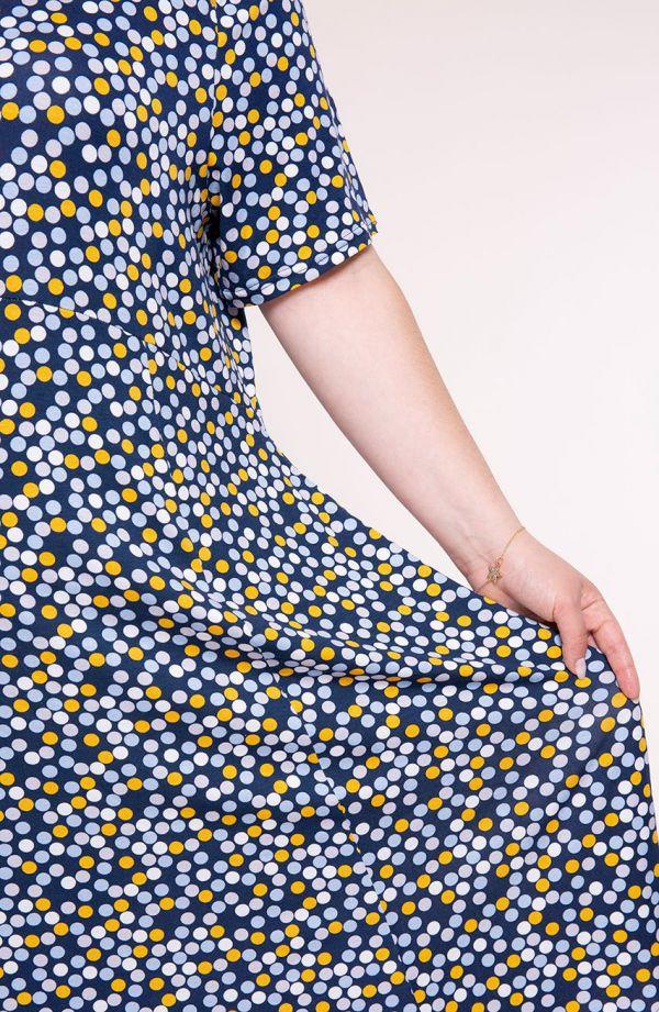 Sukienka z odciętą talią żółte kropeczki