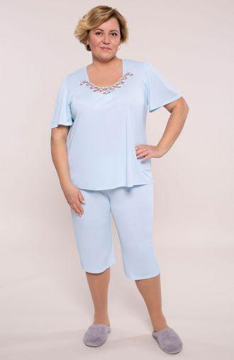 Błękitna piżama z koronką przy dekolcie