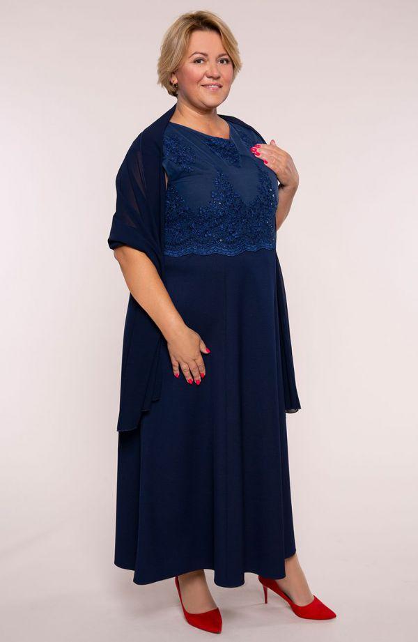 Granatowa suknia z koronkową górą i szalem