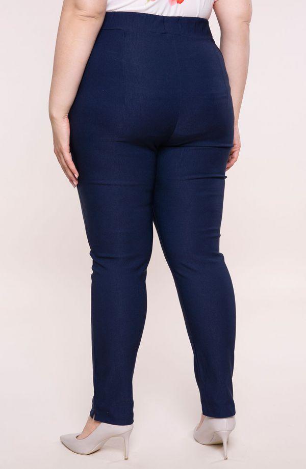 Granatowe spodnie z bardzo wysokim stanem