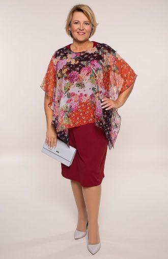 Bordowa sukienka z kwiatową narzutką