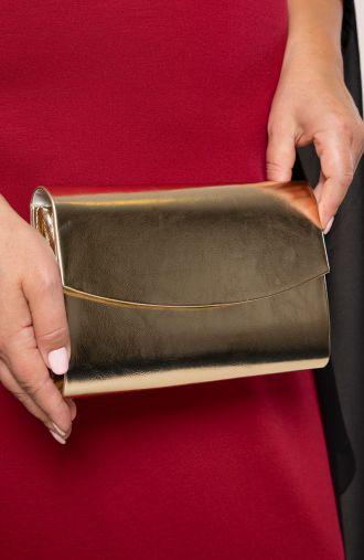 Elegancka kopertówka w złotym kolorze