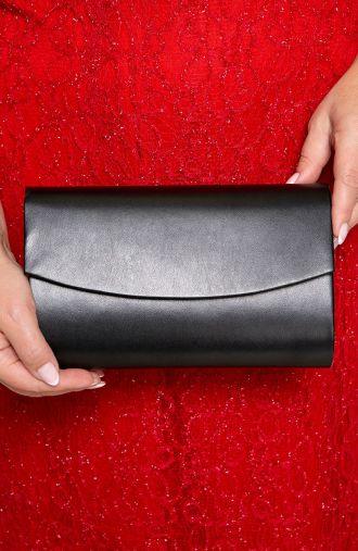 Elegancka kopertówka w czarnym kolorze