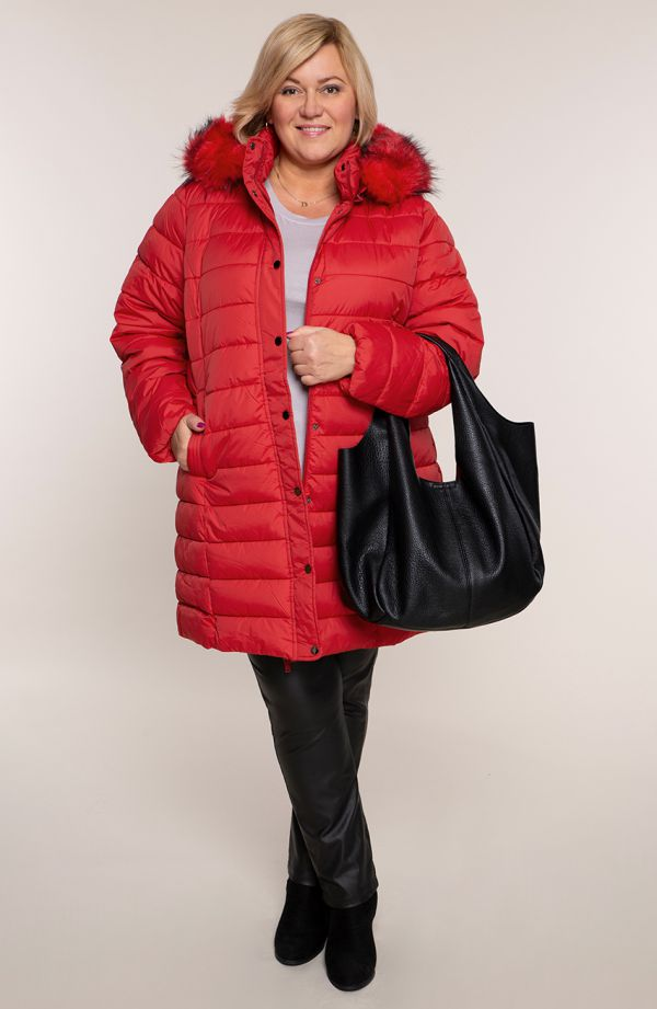Czerwona pikowana kurtka ze stójką i kapturem