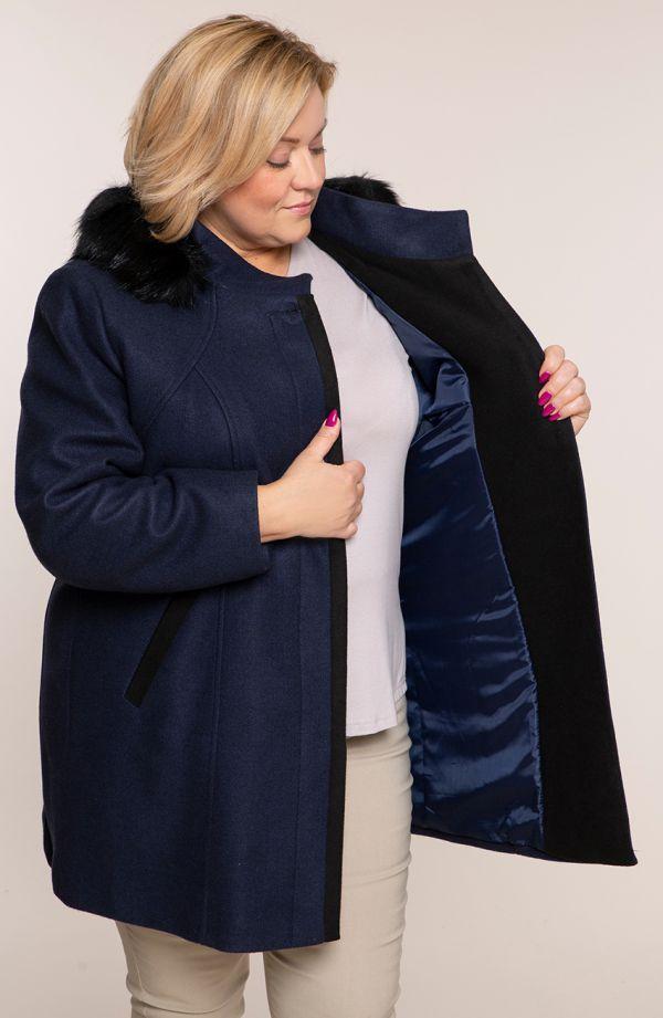 Granatowy płaszcz z odpinanym kapturem