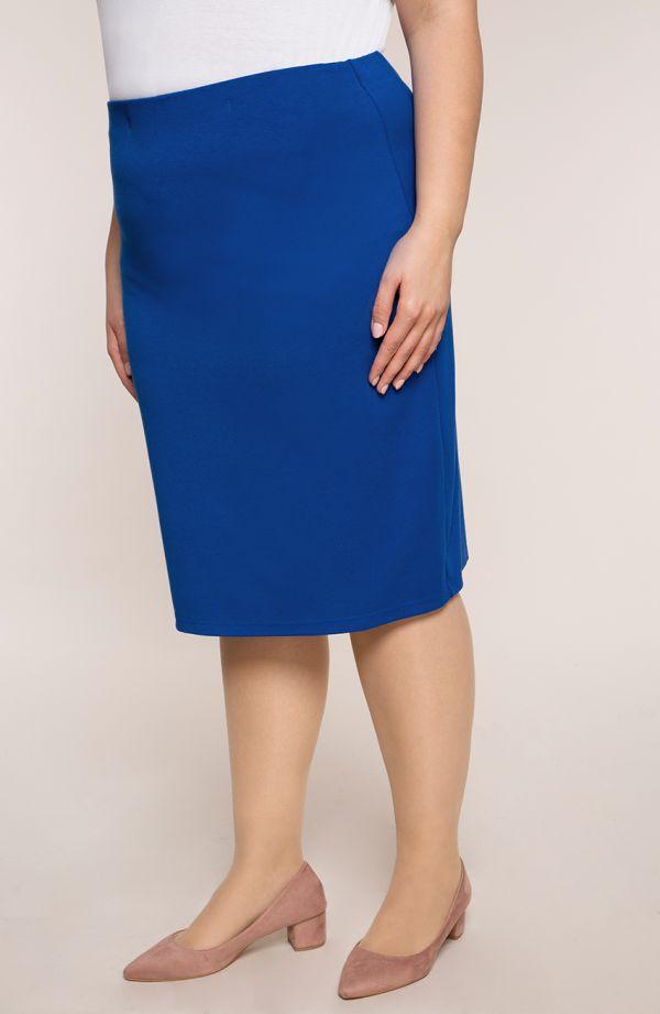 Klasyczna prosta spódnica w chabrowym kolorze