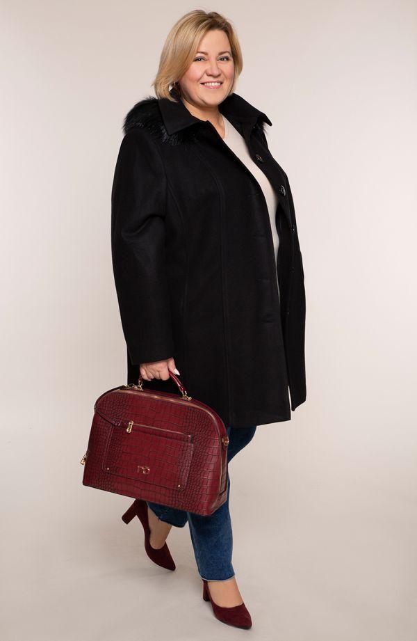 Czarny płaszcz na guziki z kapturem