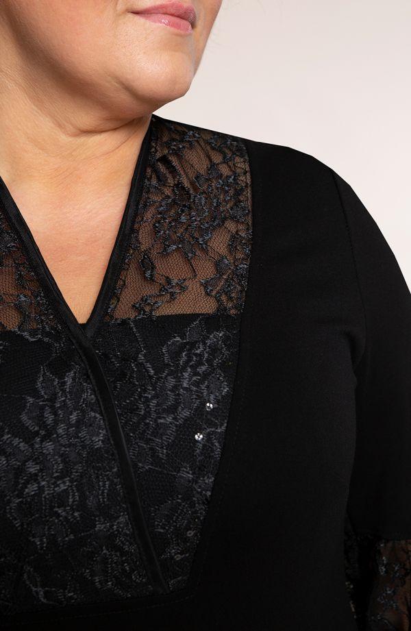 Czarna sukienka z cekinową koronką