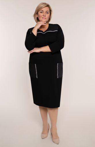 Czarna sukienka z białą wypustką