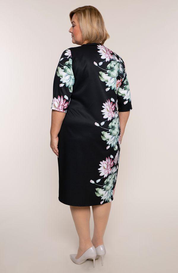 Czarna prosta sukienka różowe lilie