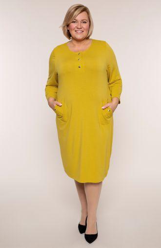 Musztardowa dzianinowa sukienka z napami