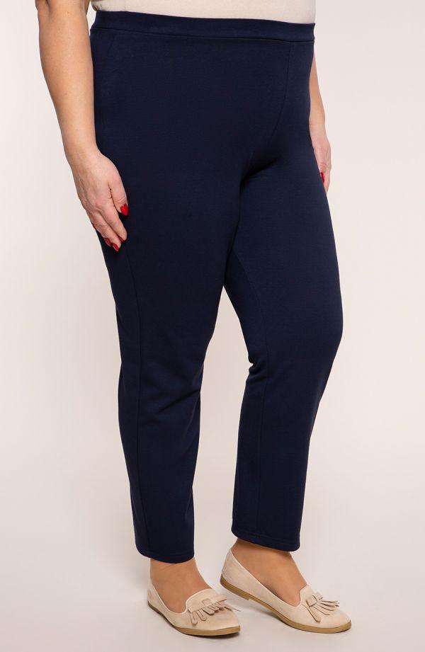 Klasyczne spodnie w kolorze granatu