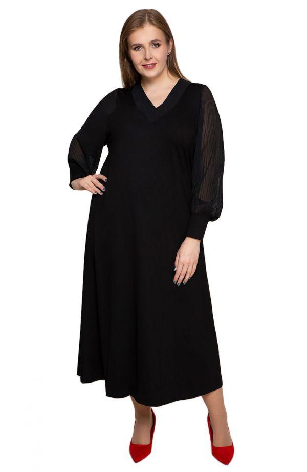 Czarna sukienka z plisowanymi rękawami