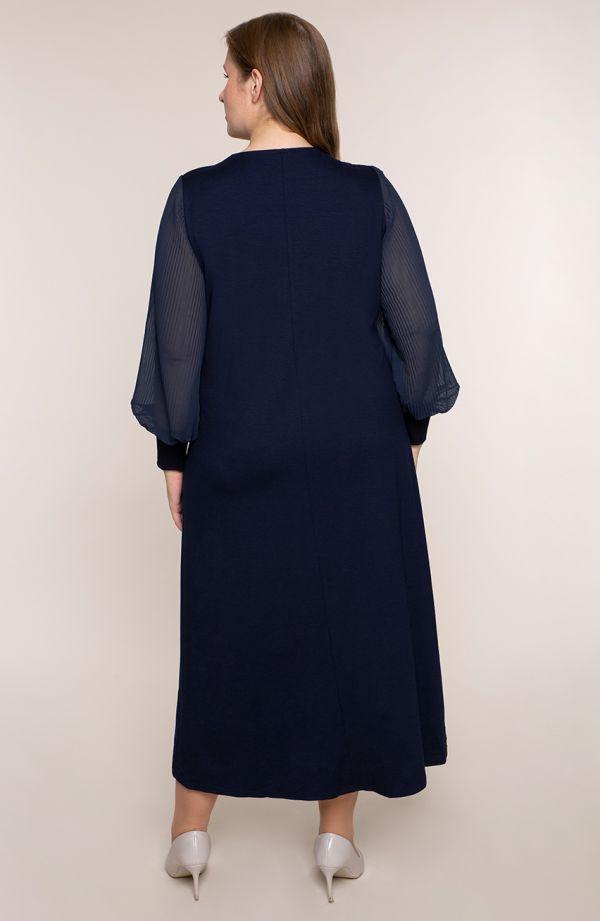 Granatowa sukienka z plisowanymi rękawami