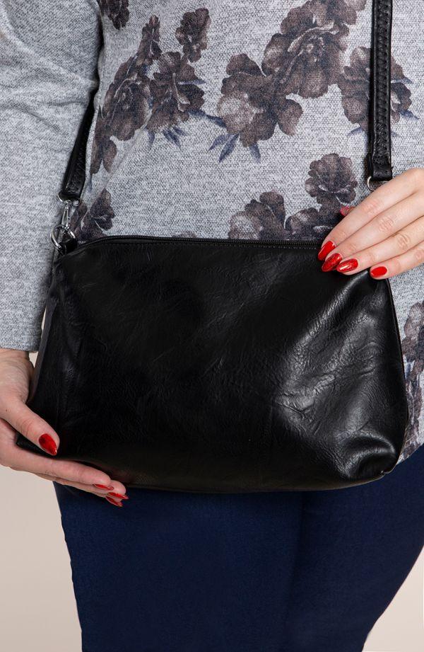 Czarna torba na ramię z klamrą