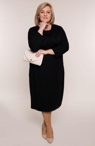 Czarna sukienka z trójkątnym klinem