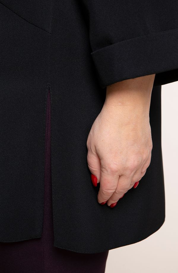 Czarny luźny żakiet z mankietami